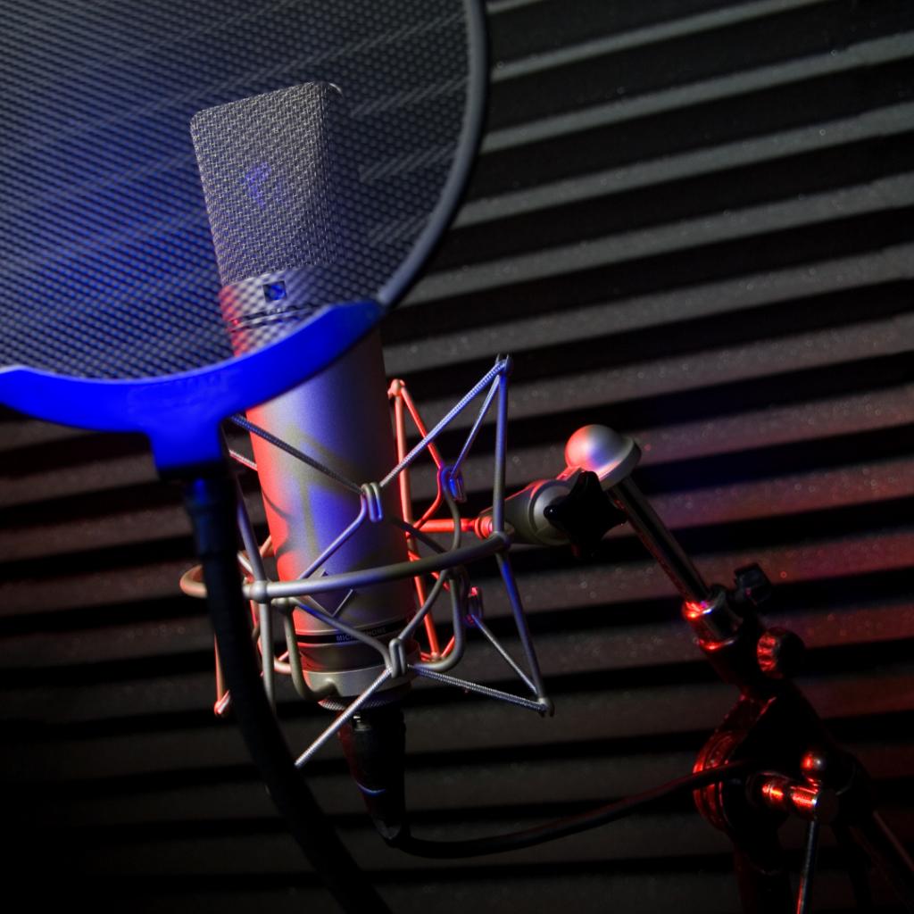 fl studio universal audio Tonstudio mixing recording mastering dinslaken instrumentals rap podcasts neumann sennheiser